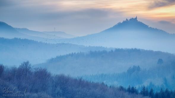 Inversionswetterlage mit Herbstfeeling Mitte Januar - Blick auf den Hohenzollern